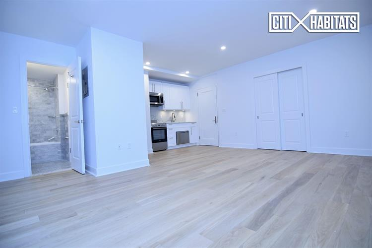 160 East 48th Street, New York, NY 10017