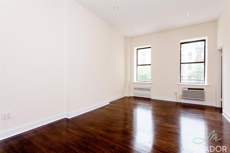 1558 York Avenue, New York, NY 10021