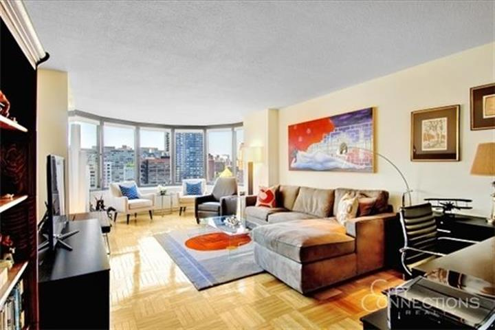 330 East 38th Street, New York, NY 10016