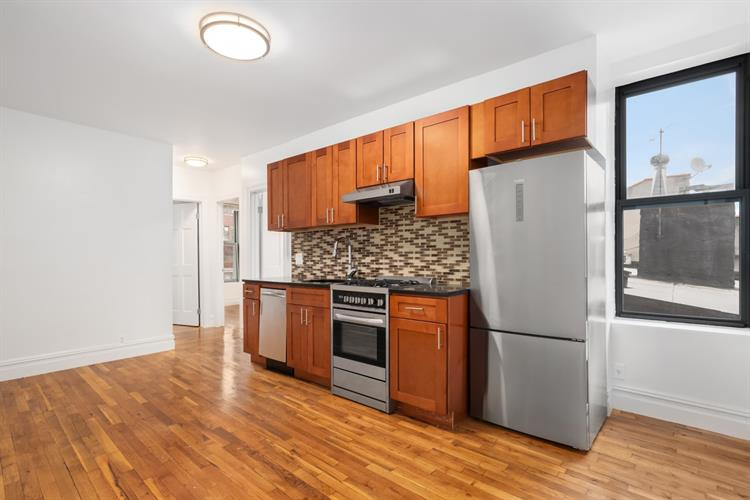 322 West 11th Street, New York, NY 10014 - Image 1