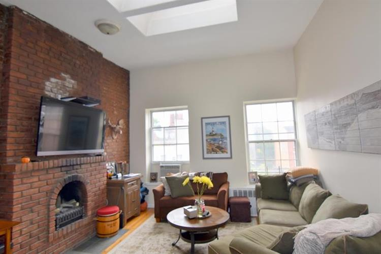 184 Ninth Avenue, New York, NY 10011 - Image 1