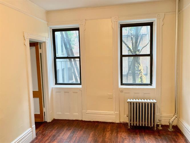 318 East 9th Street, New York, NY 10003