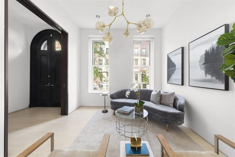 240 East 61st Street, New York, NY 10065 - Image 1