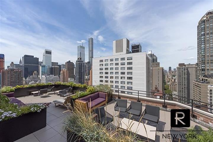 300 East 64th Street, New York, NY 10065