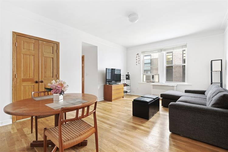 140 West 71st Street, New York, NY 10023 - Image 1