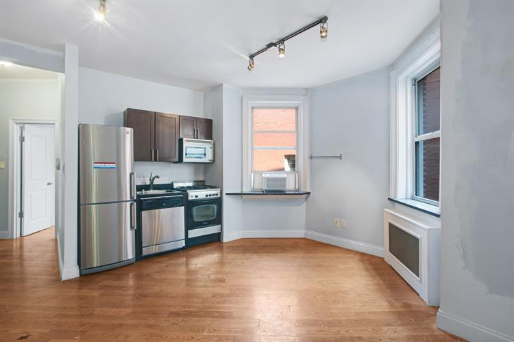 220 West 107th Street, New York, NY 10025