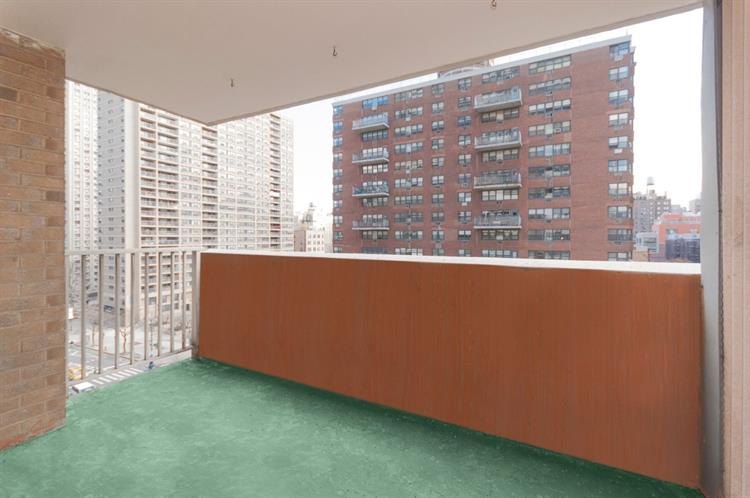 100 West 94th Street, New York, NY 10025