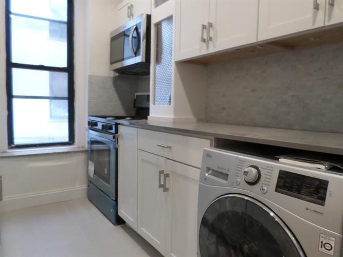 30-95 29th Street, Astoria, NY 11102 - Image 1