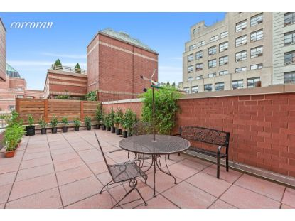 350 West 50th Street New York, NY MLS# CORC-6155698