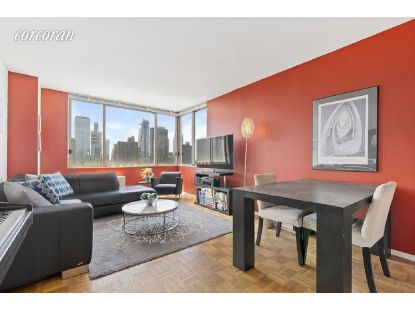 350 West 50th Street New York, NY MLS# CORC-6195026