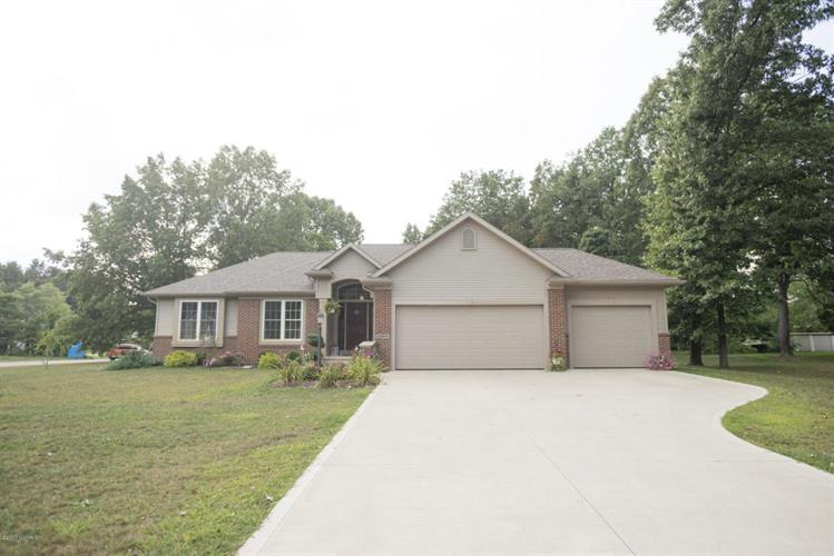 69914 Knottingham Lane, Edwardsburg, MI 49112