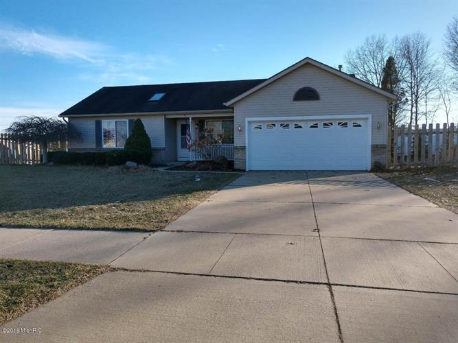 286 Riverwood Drive, Middleville, MI 49333