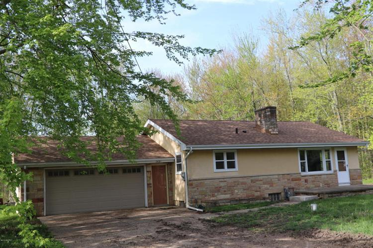 7491 Little Paw Paw Lake Road, Coloma, MI 49038