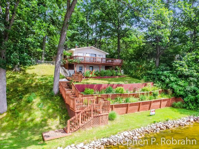 6109 Honeymoon Drive, Lakeview, MI 48850