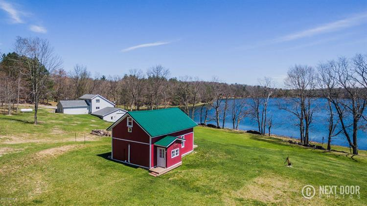 9807 Strawberry Lake Drive, Evart, MI 49631