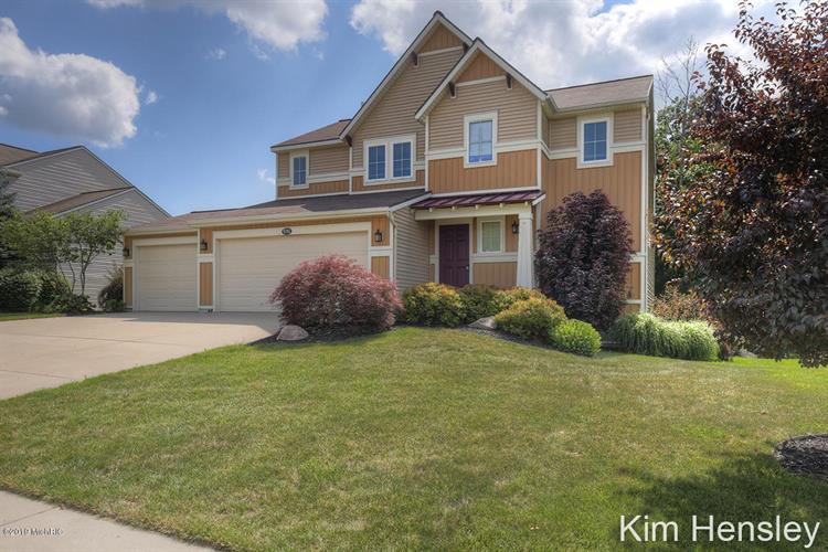 9741 Sunset Ridge Drive NE, Rockford, MI 49341 - Image 1