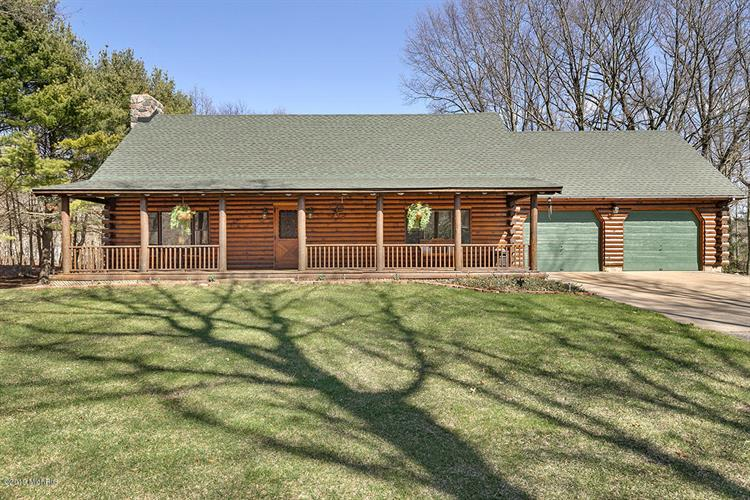 1075 W Lakewood Boulevard, Holland, MI 49424 - Image 1