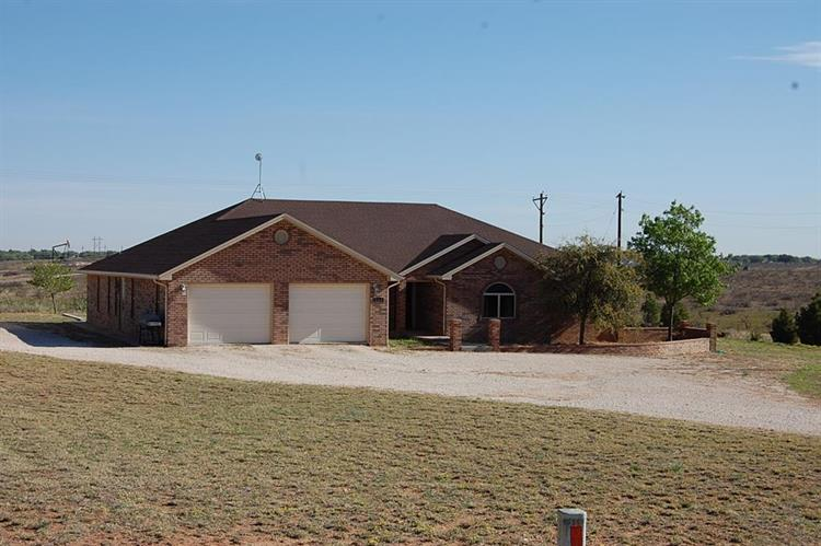 268 County Rd 304, Seminole, TX 79360