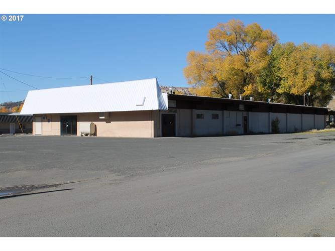 679 W MAIN ST, John Day, OR 97845