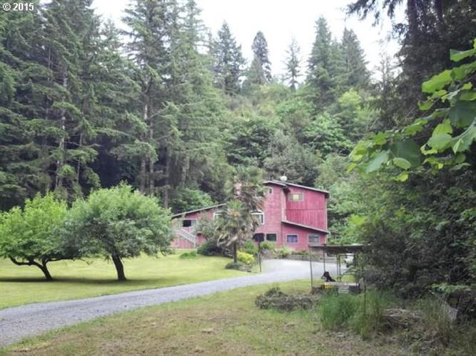 52899 BIG CRK RD, Myrtle Point, OR 97458