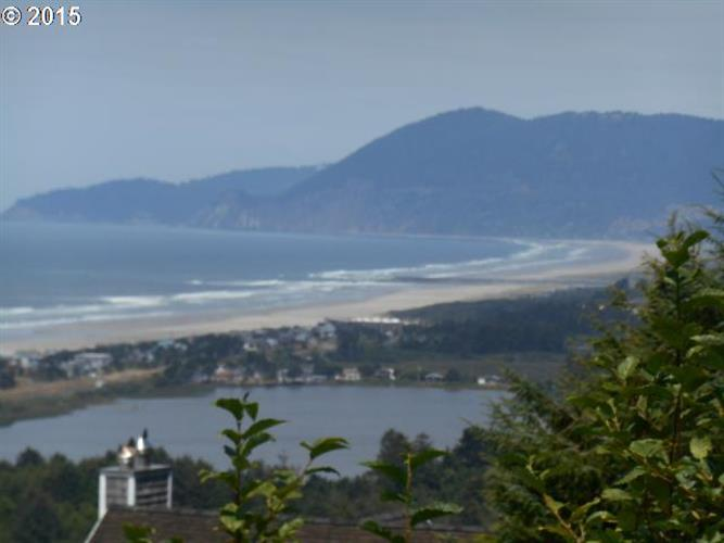 North Slope WAY, Rockaway Beach, OR 97136