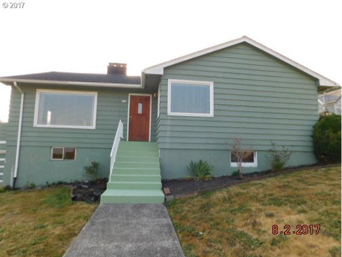 794 33rd ST, Astoria, OR 97103
