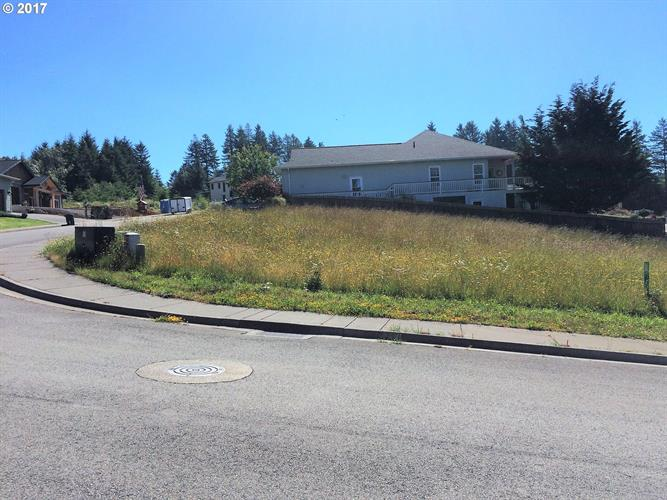 Vista Ridge DR 23, Brookings, OR 97415