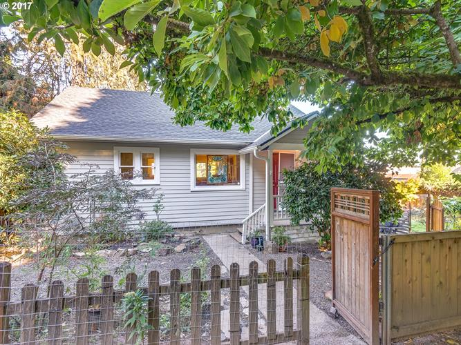 5604 NW 56TH AVE, Portland, OR 97210