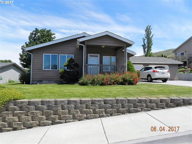 1800 GOLDEN WAY, The Dalles, OR 97058