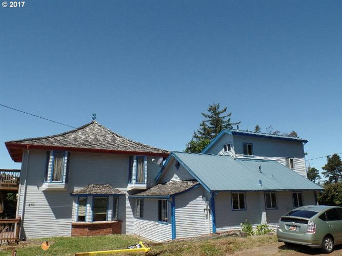 210 NINTH ST, Port Orford, OR 97465