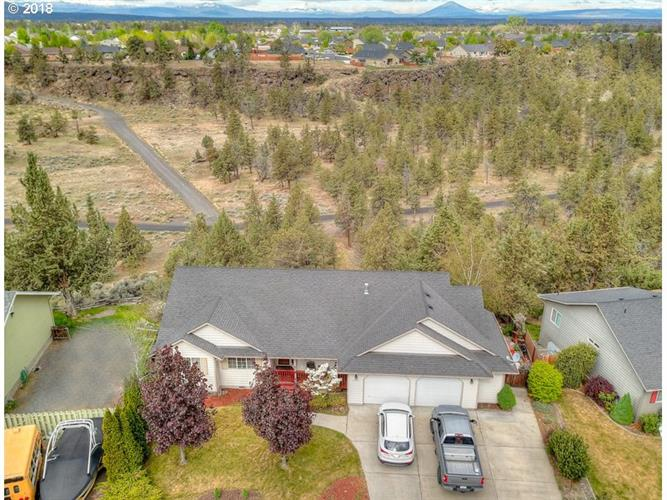 2407 NW CANYON DR, Redmond, OR 97756