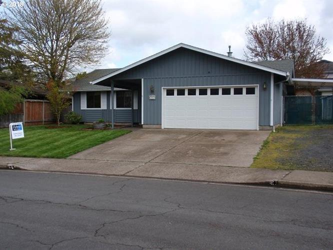 237 74TH PL, Springfield, OR 97478