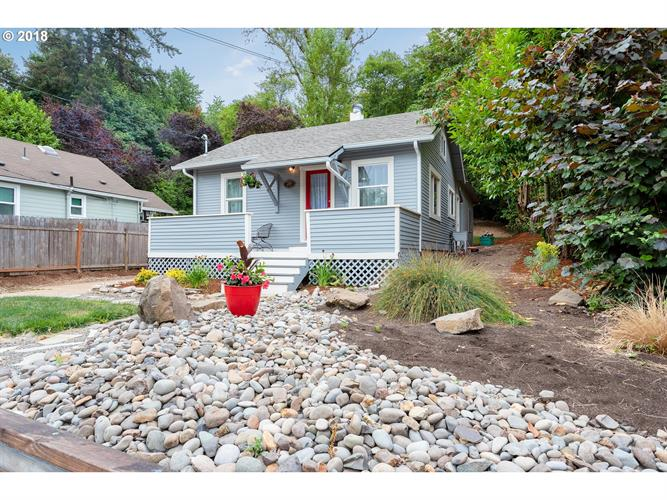 216 PEARL ST, Oregon City, OR 97045