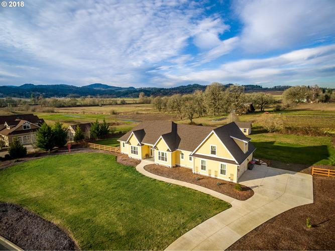 2275 SW WEST WIND DR, McMinnville, OR 97128