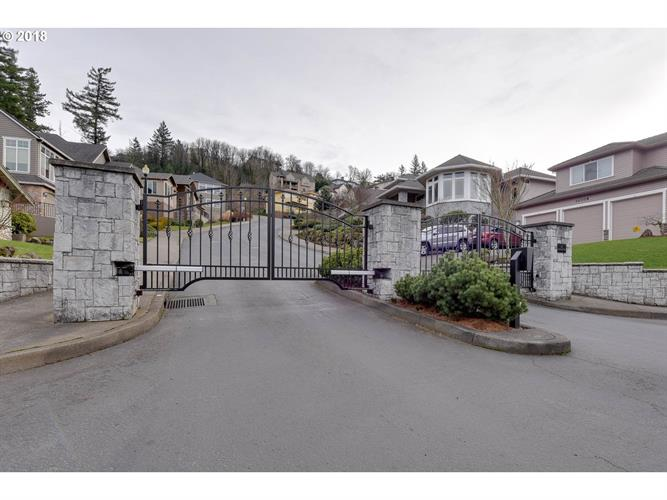 10945 SE SCOTTS SUMMIT CT, Happy Valley, OR 97086 - Image 1