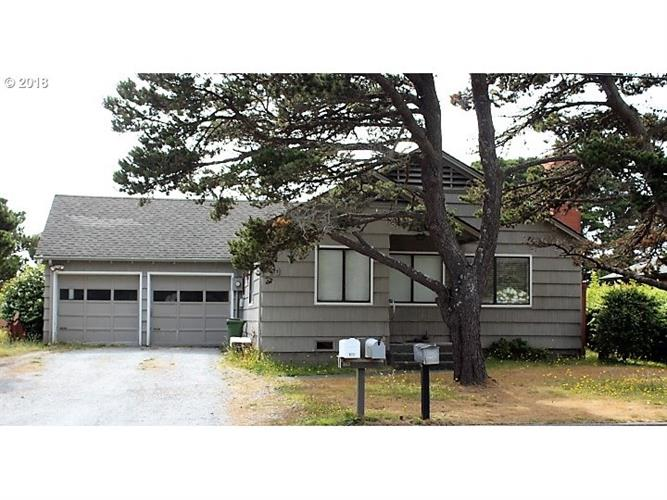 780 JACKSON AVE, Bandon, OR 97411 - Image 1