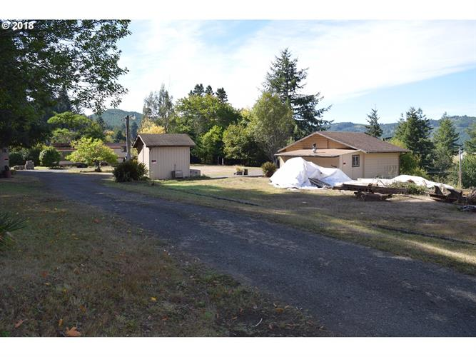 91494 MAIN LN, Coquille, OR 97423