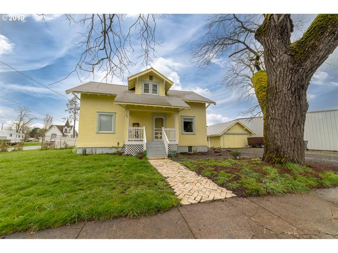 391 W 1ST ST, Halsey, OR 97348