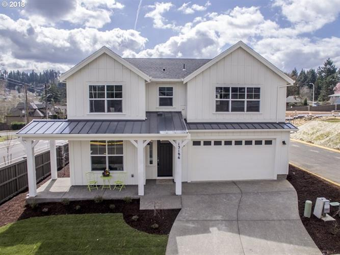 13186 SE Gateway DR, Happy Valley, OR 97086