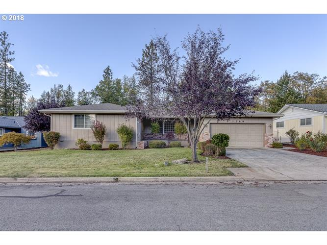 3289 NEAMAR DR, Grants Pass, OR 97527
