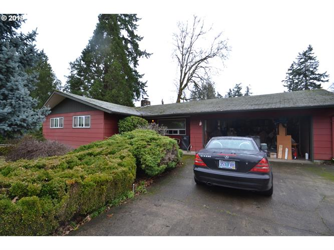 935 NE 10TH AVE, Canby, OR 97013