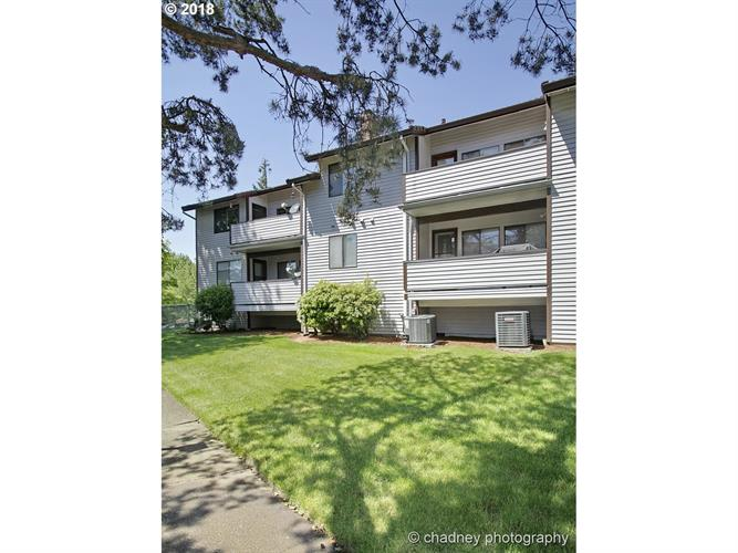 12008 SE 104TH CT, Happy Valley, OR 97086