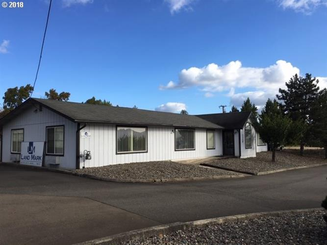 3329 NE STEPHENS ST, Roseburg, OR 97470