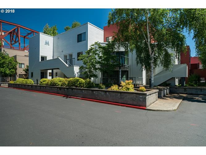 1010 NW NAITO PKWY M18, Portland, OR 97209 - Image 1