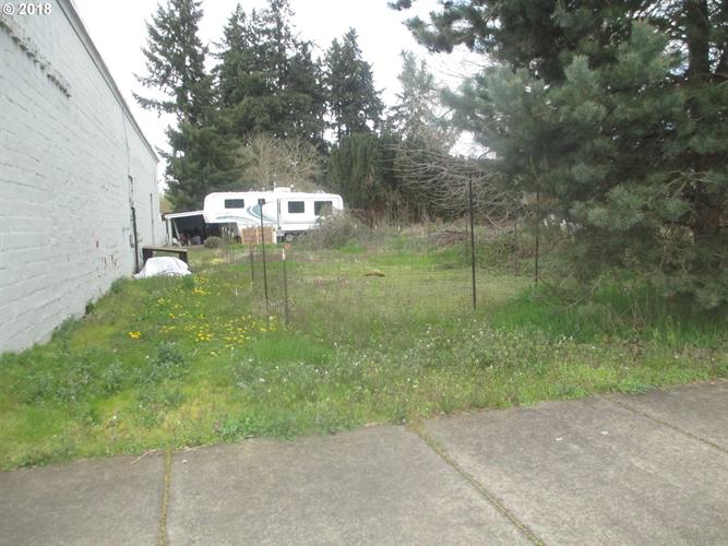 3RD ST, Hubbard, OR 97032