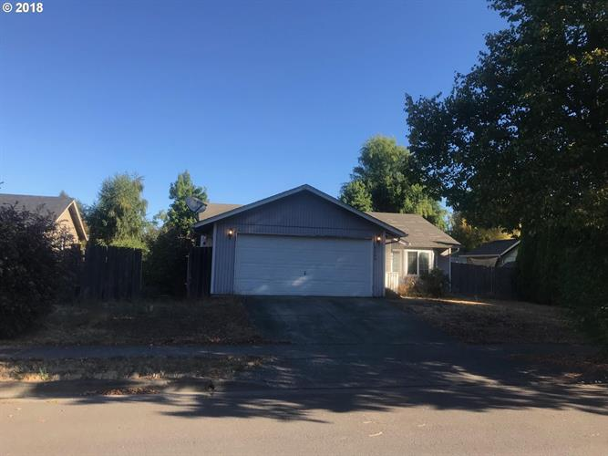 3504 S REDWOOD DR, Springfield, OR 97478