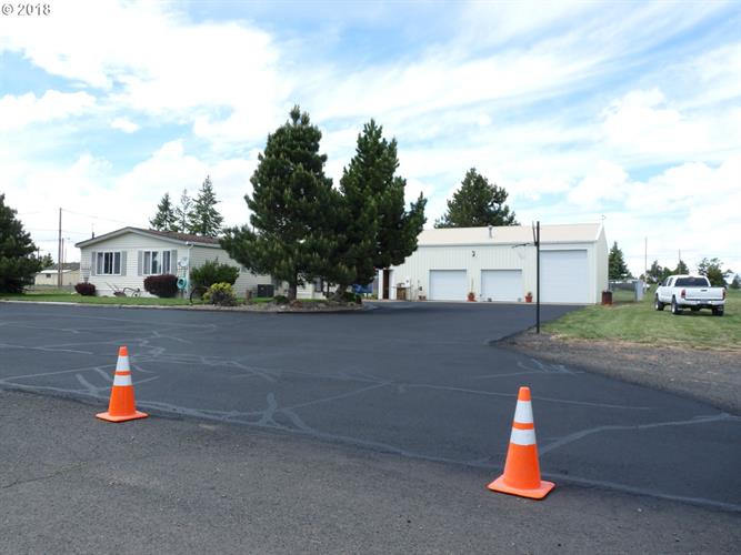829 W FALL ST, Condon, OR 97823