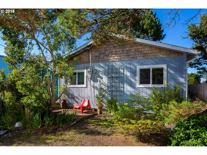 5950 COATS AVE, Pacific City, OR 97135
