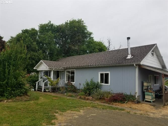 330 COOS BAY WAGON RD, Roseburg, OR 97471
