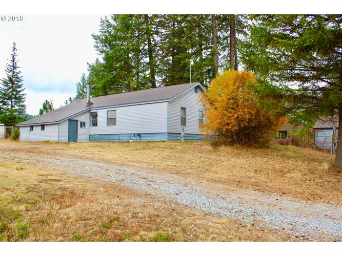 4961 Luther RD B, Valley, WA 99181